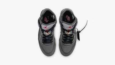 Off-White x Jordan 5 Black middle
