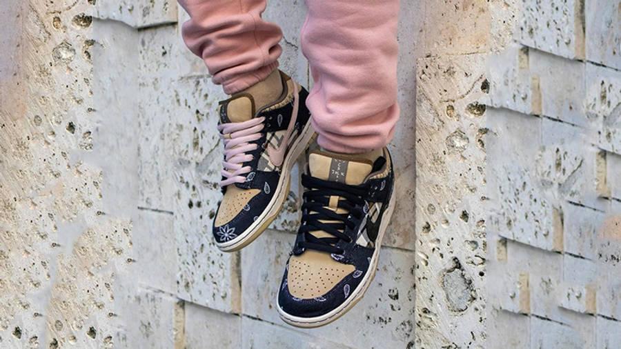Travis Scott x Nike SB Dunk Low Cactus Jack on foot hanging