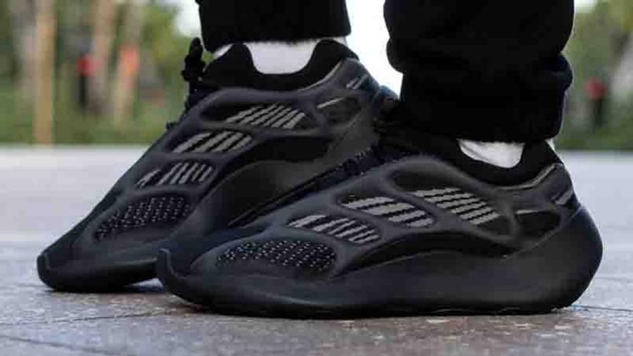 Yeezy 700 V3 Alvah On Feet4