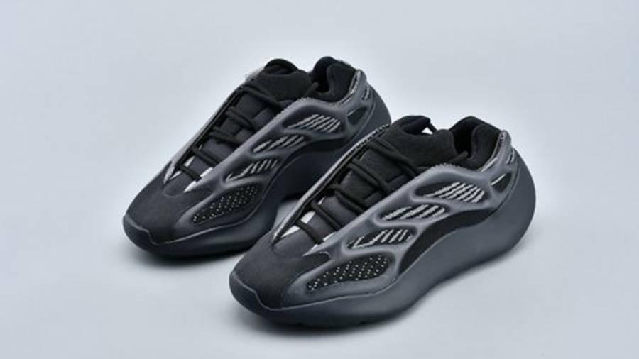 Yeezy 700 V3 Triple Black front