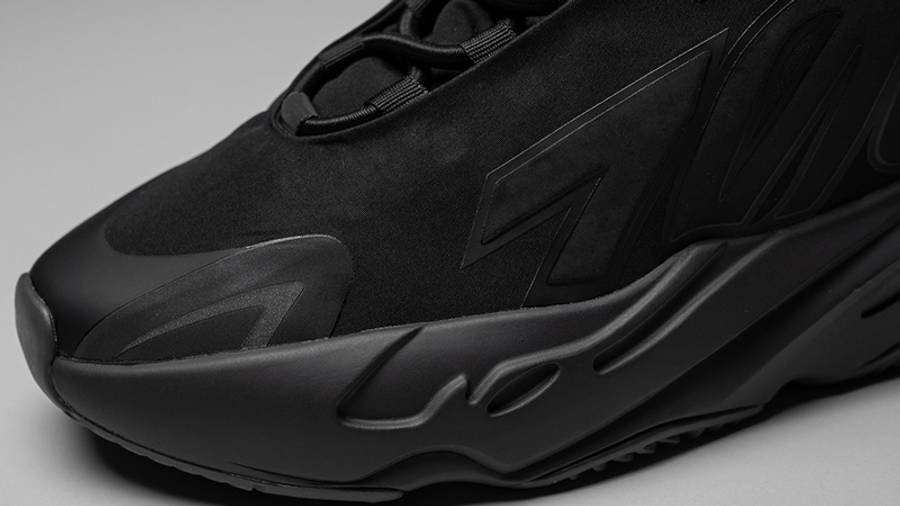 Yeezy Boost 700 MNVN Triple Black Closeup