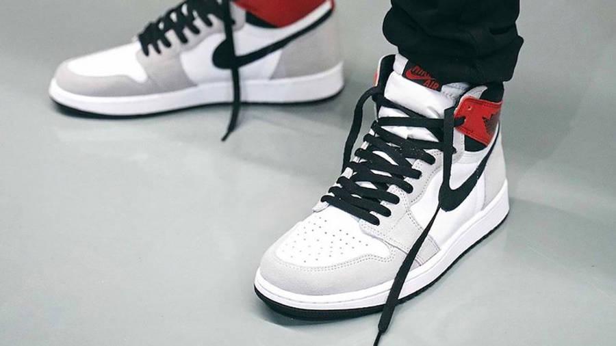 Air Jordan 1 Retro High Light Smoke Grey On Feet2