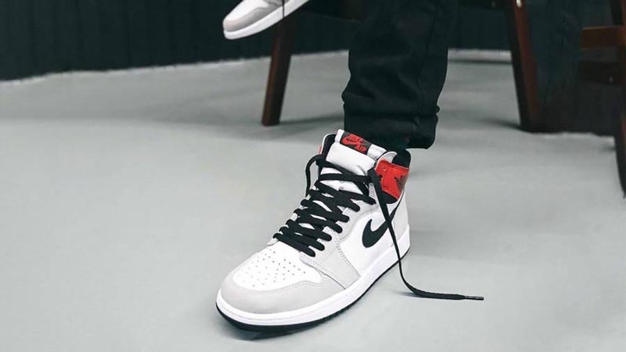 Air Jordan 1 Retro High Light Smoke Grey On Foot Front