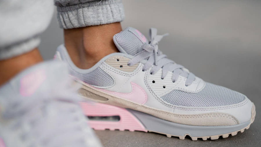 Nike Air Max 90 Vast Grey Pink On Foot Front