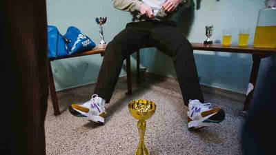 Karhu Fusion 2.0 Trophy Pack Brown White On Feet1