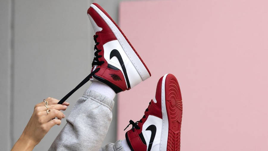 Jordan 1 Mid Chicago 2020 | Where To Buy | 554724-173 | The Sole ...