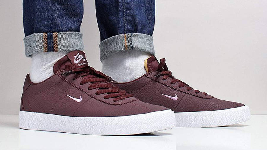 Nike SB Zoom Bruin Mahogany AQ7941-202 on foot front