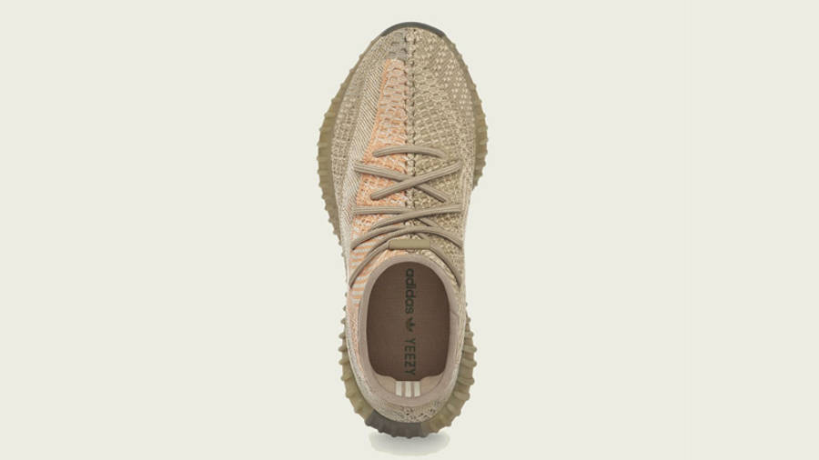 Yeezy Boost 350 V2 Sand Taupe Middle