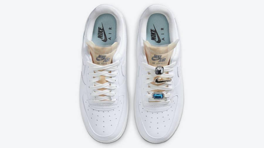 Nike Air Force 1 07 LX White Onyx Middle