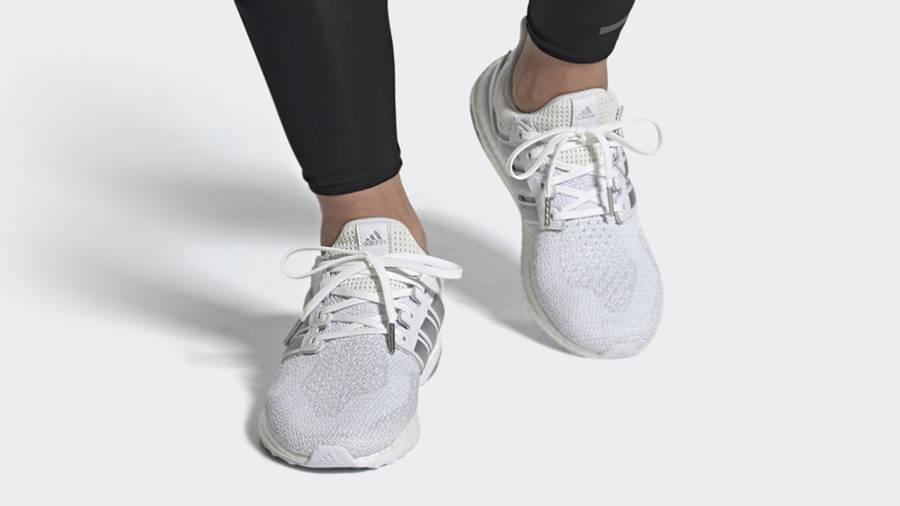 [Image: adidas-Ultraboost-DNA-Cloud-White-Silver...t_w900.jpg]