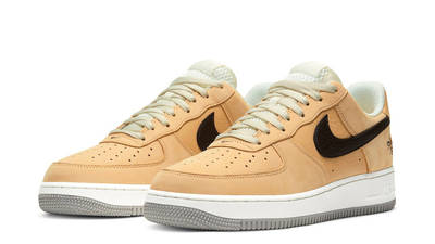 Nike Air Force 1 Manchester Bee Front