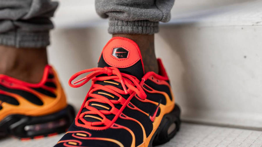 Nike TN Air Max Plus Lava Closeup