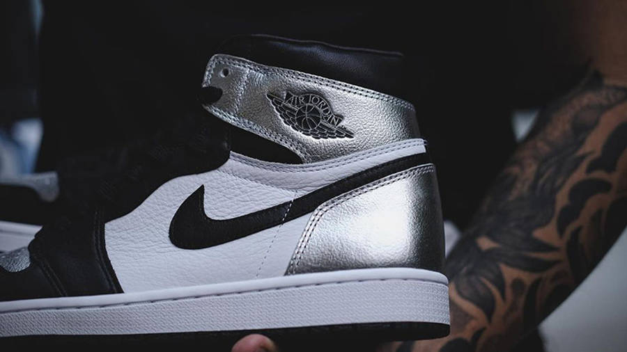 Jordan 1 High OG Metallic Silver heel