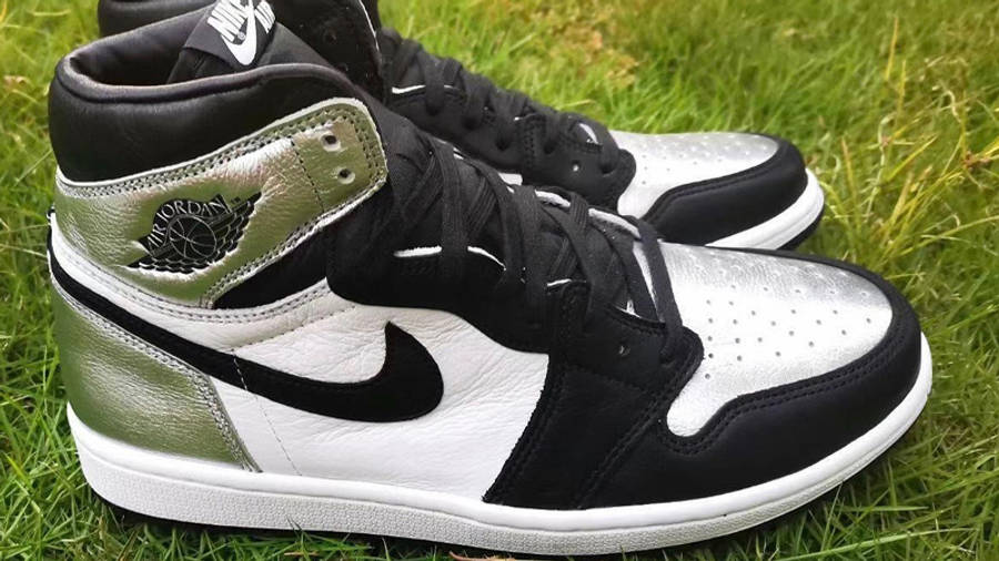 Jordan 1 High OG Metallic Silver Lifestyle