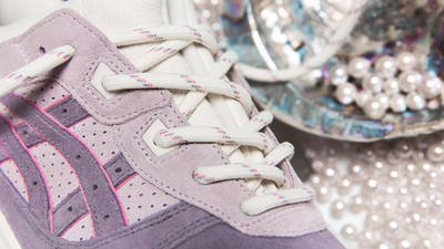 END x ASICS GEL-Lyte III Pearl Top Closeup