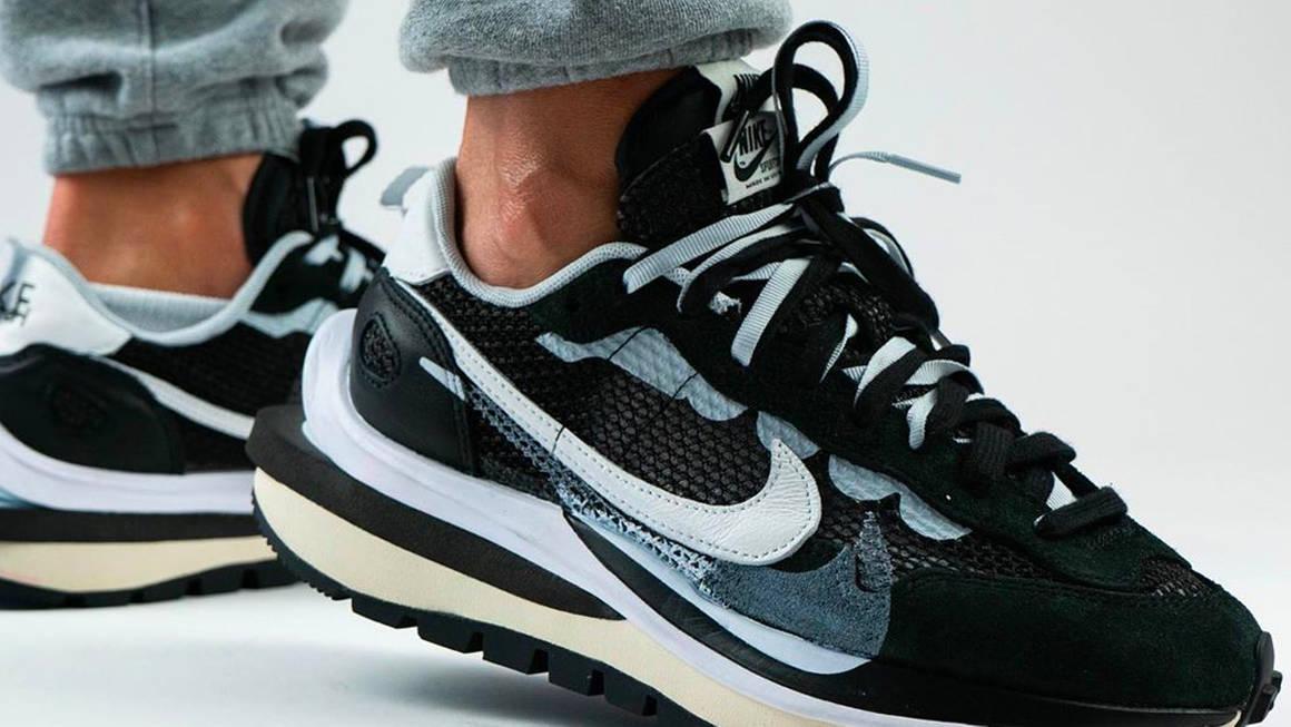 sacai x Nike VaporWaffle Black Raffles | The Sole Supplier