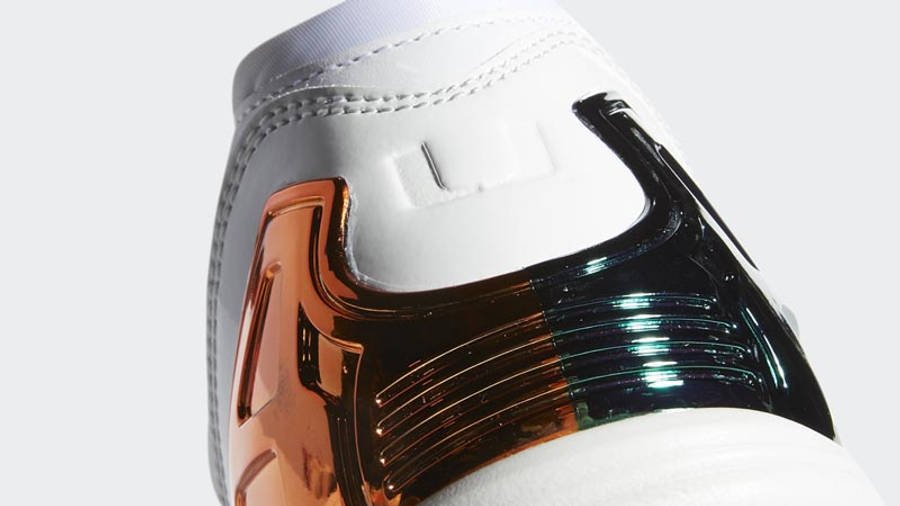 University of Miami x adidas ZX 5000 White Back Closeup