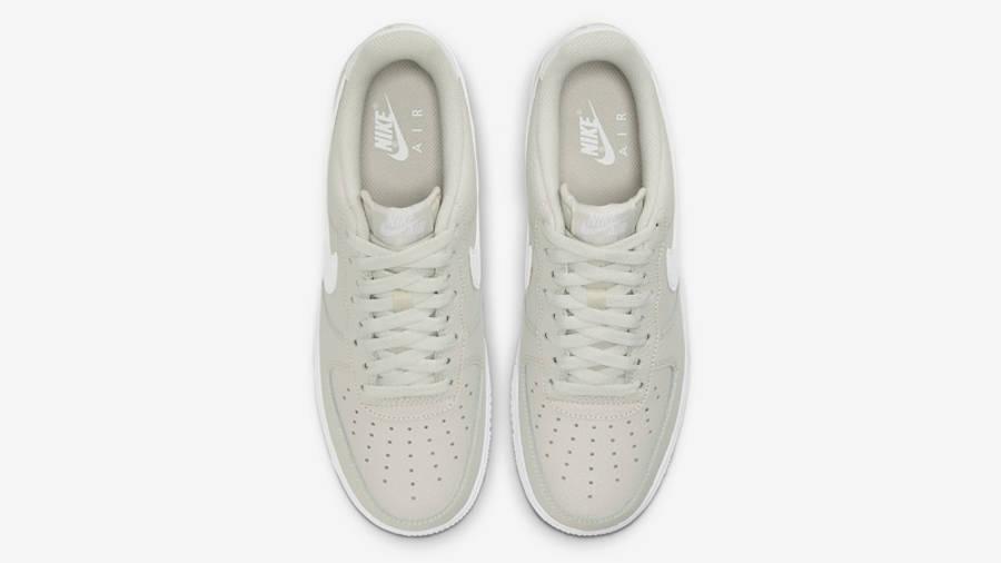 Nike Air Force 1 07 Light Bone Middle