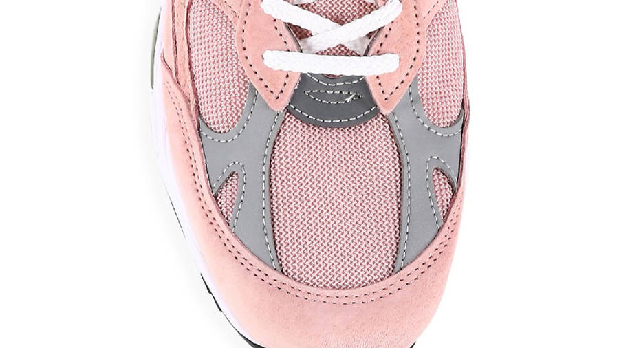 New Balance 991 Shy Pink Closeup