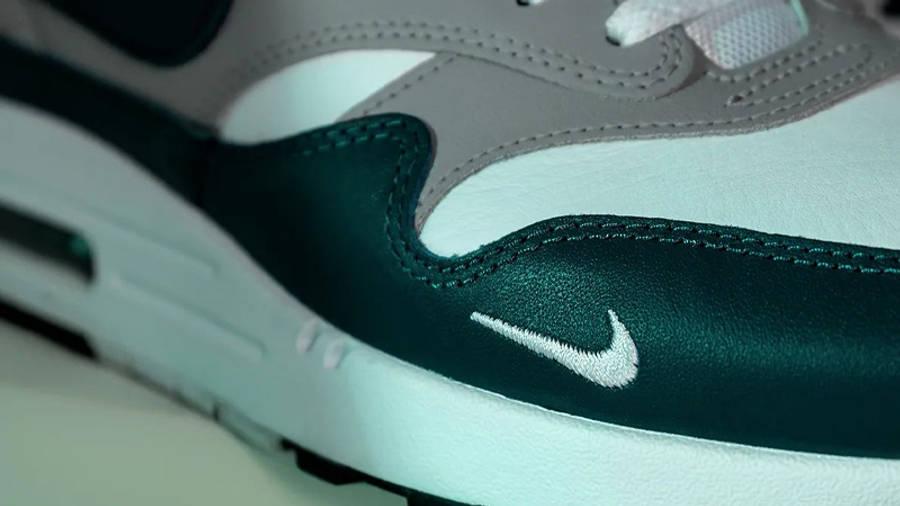 Nike Air Max 1 LV8 Dark Teal Green Closeup