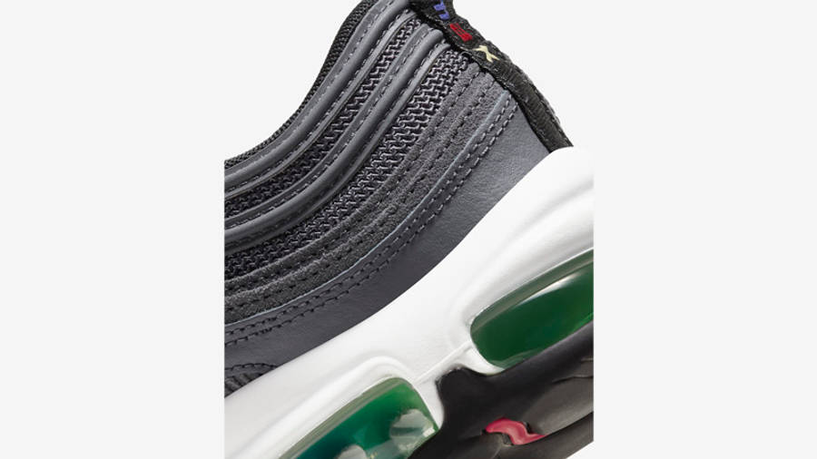 air-max-97-eoi-dd1499-001-closeup-1