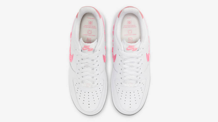 Nike Air Force 1 07 SE Love For All Middle
