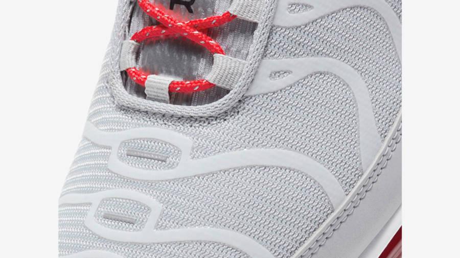 Nike Air Max Plus Grey Red Closeup