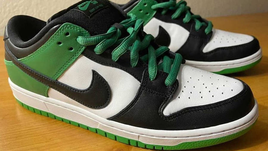 Nike SB Dunk Low Classic Green First Look