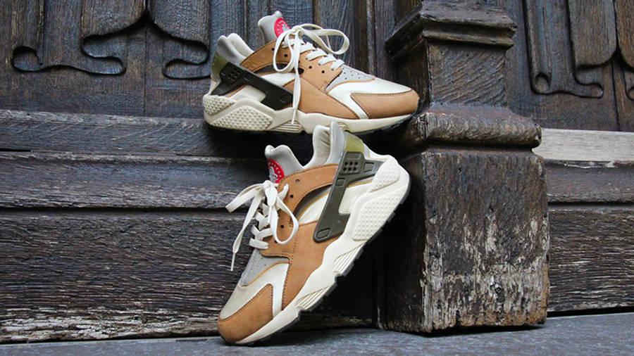 Stussy x Nike Air Huarache LE Desert Oak Lifestyle