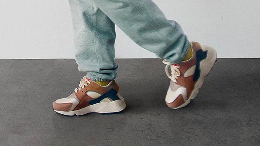 Stussy x Nike Air Huarache LE Desert Oak On Foot