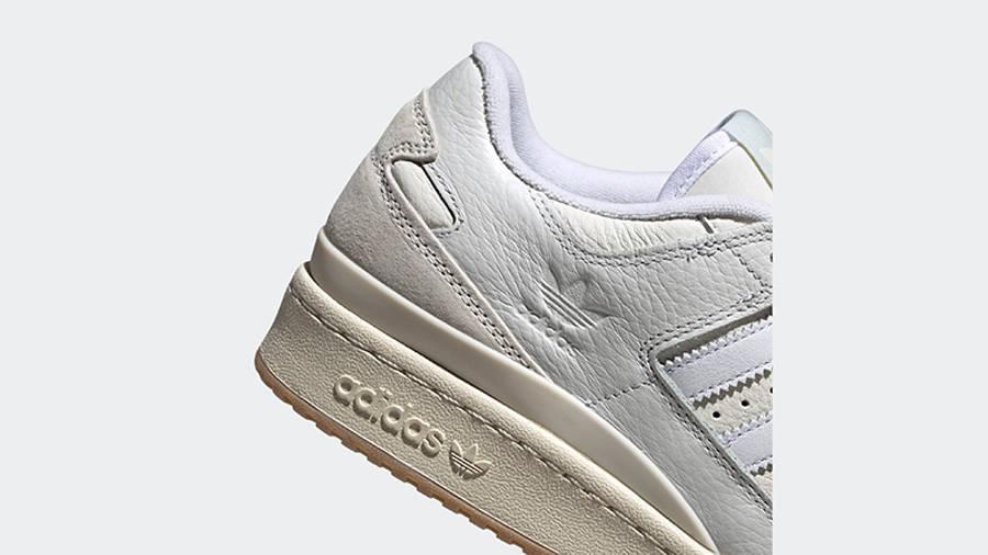 adidas Forum 84 Low Chalk White Back Detail