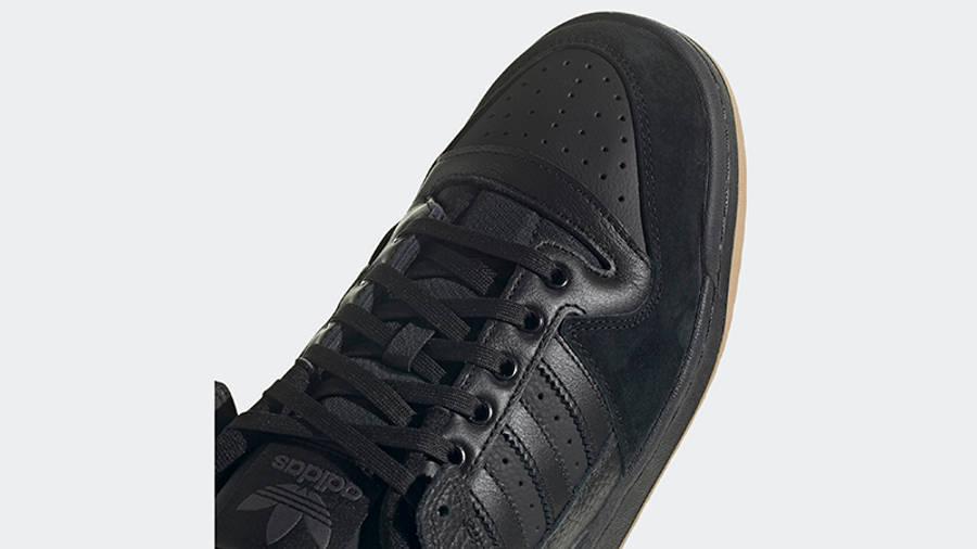 adidas Forum 84 Low Core Black Top Detail