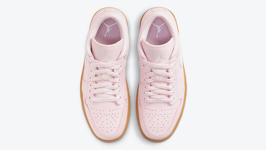 Jordan 1 Low Arctic Pink Gum DC0774-601 middle