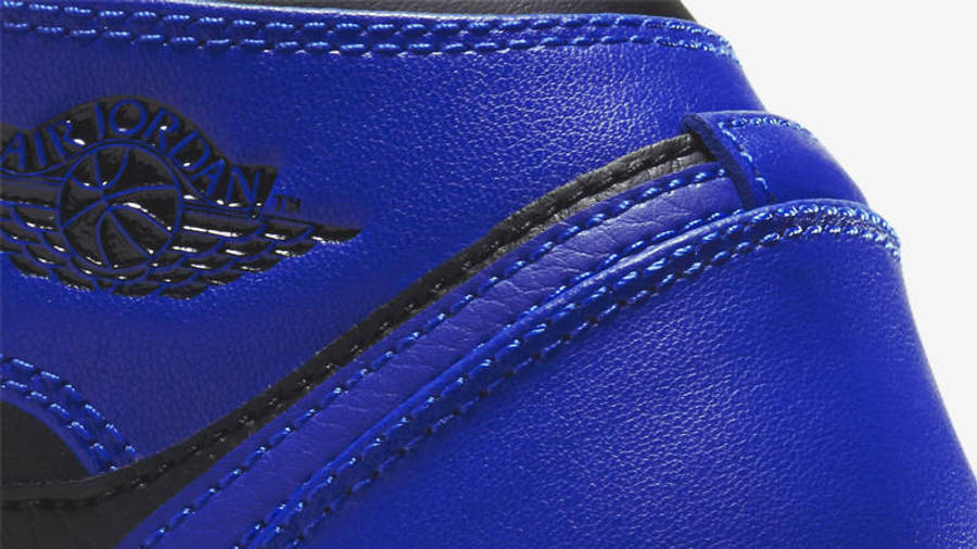 Jordan 1 Mid GS Hyper Royal Closeup
