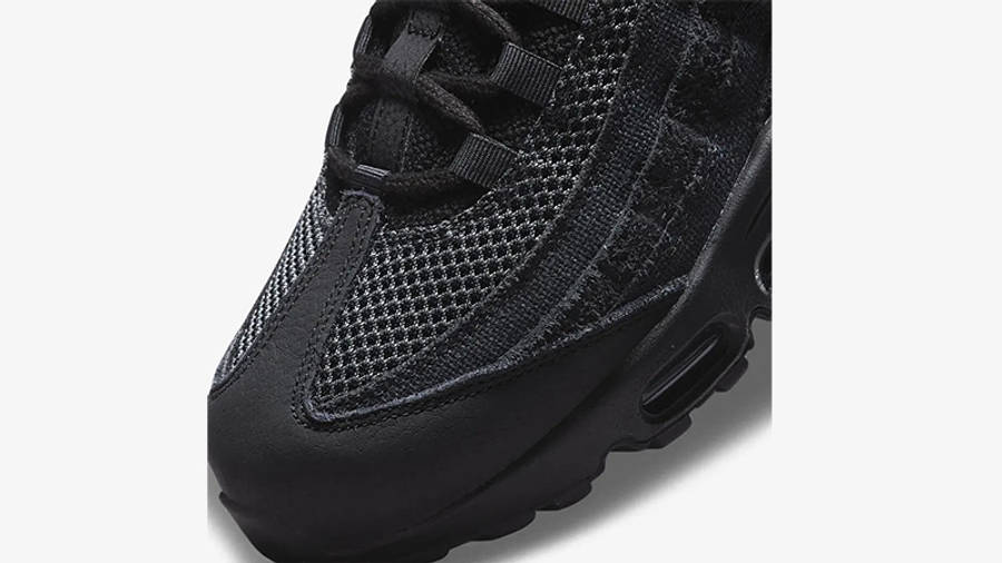 Nike Air Max 95 OG Black Iron Grey Front Detail