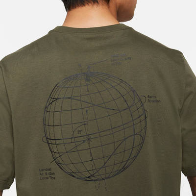 Nike Air T-Shirt Cargo Khaki Back Closeup