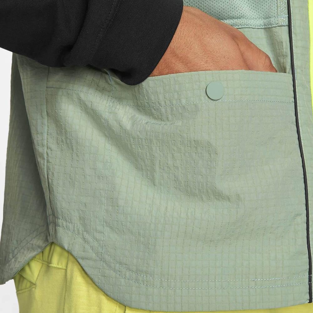 Nike Sportswear DNA Woven Gilet Pine Green Pocket