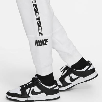 Nike Sportswear Fleece Joggers DC0719-100 Detail