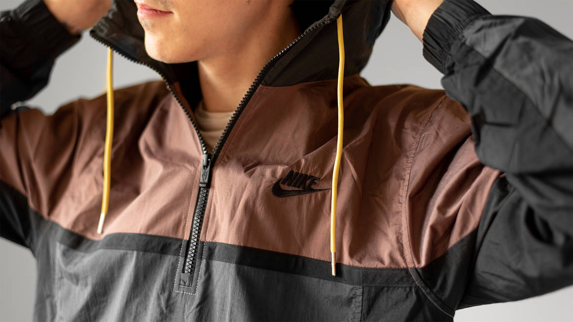 Give Your Outdoor Fits a Refresh with This Nike 1/2-Zip Hooded Jacket