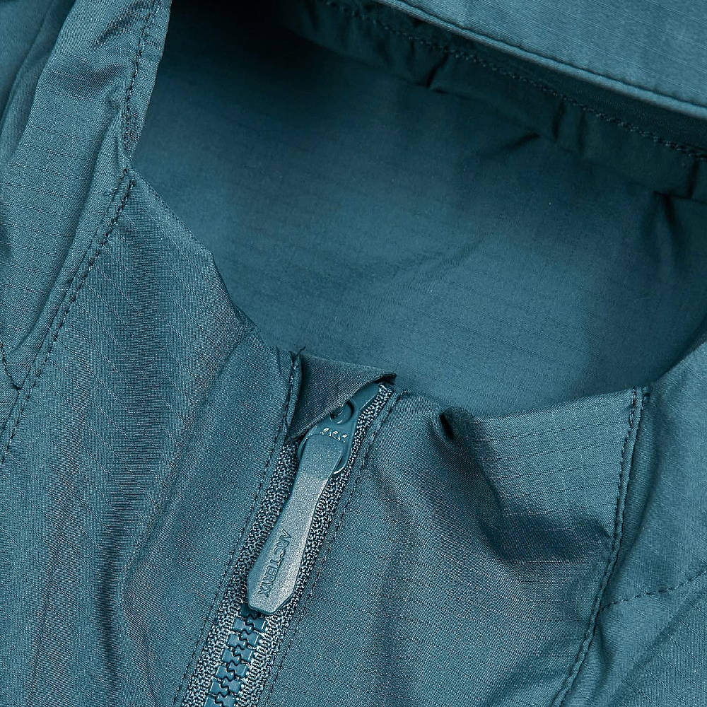 Arc'teryx Squamish Hooded Jacket 25172 Ladon Detail 2