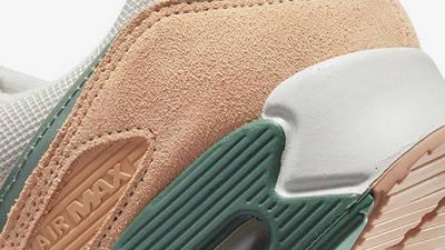 Nike Air Max 90 Light Bone Dutch Green Shimmer Closeup
