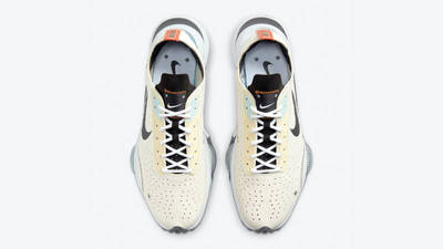 Nike Air Zoom Type Coconut Milk Middle