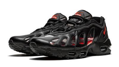 Supreme x Nike Air Max 96 Black Front
