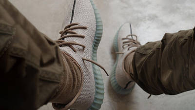 Yeezy Boost 350 V2 Leaf On Foot Top