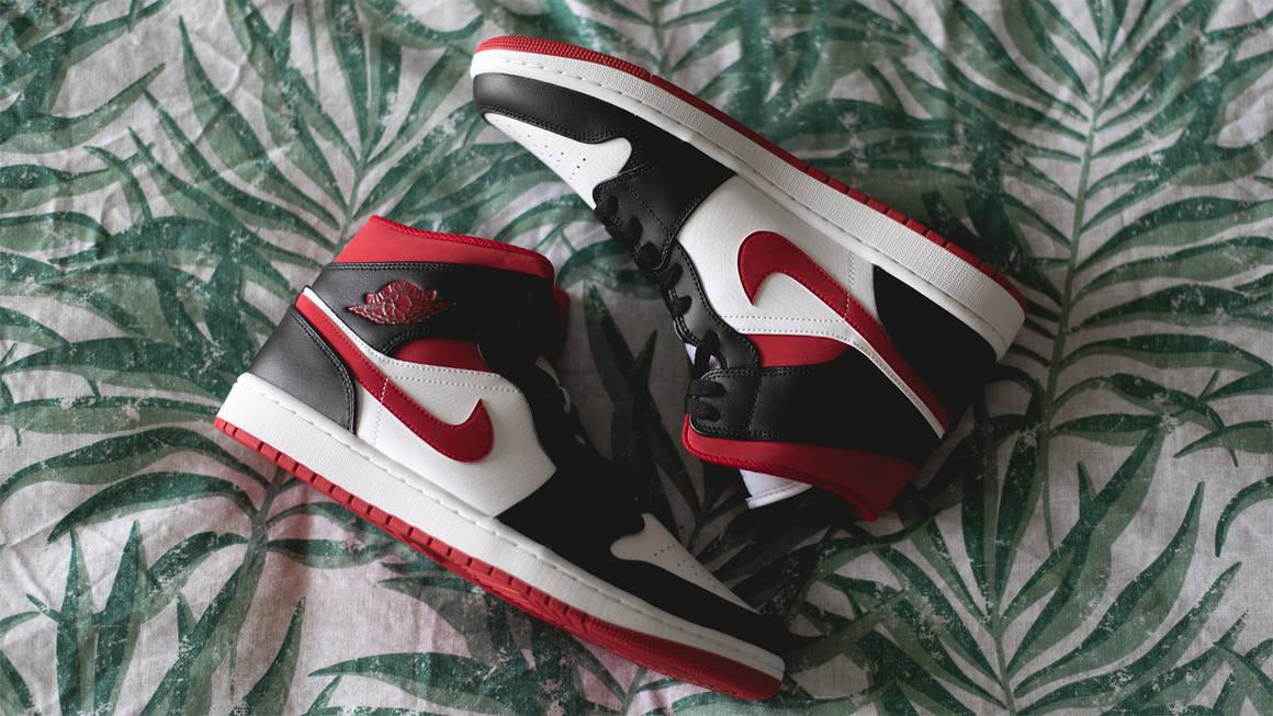 Air Jordan 1 Mid Metallic Red