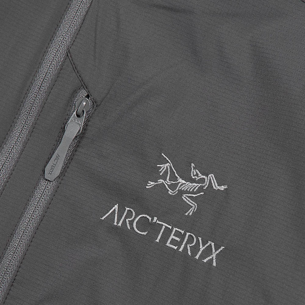 Arc'teryx Atom SL Anorak Microchip Detail