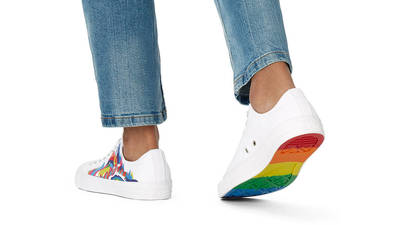 Converse Chuck Taylor All Star Pride Low White On Foot
