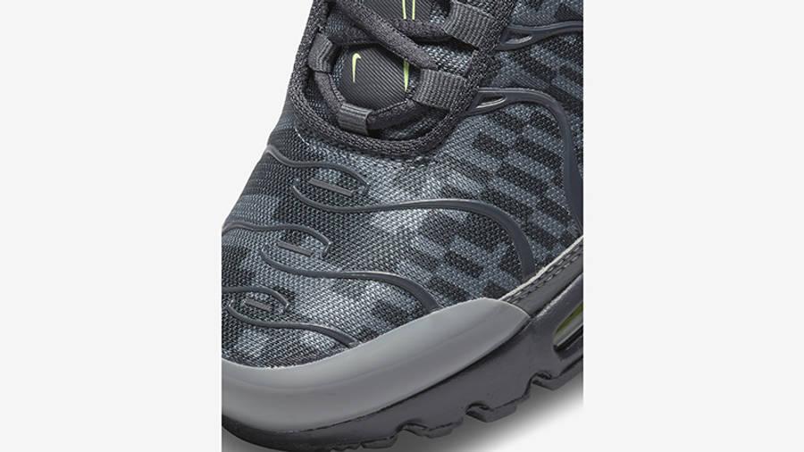 Nike Air Max Plus GS Smoke Grey Lime Glow DM3266-001 Detail