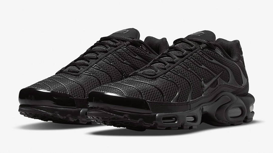 Nike TN Air Max Plus Triple Black Grey DB0682-001 03 front