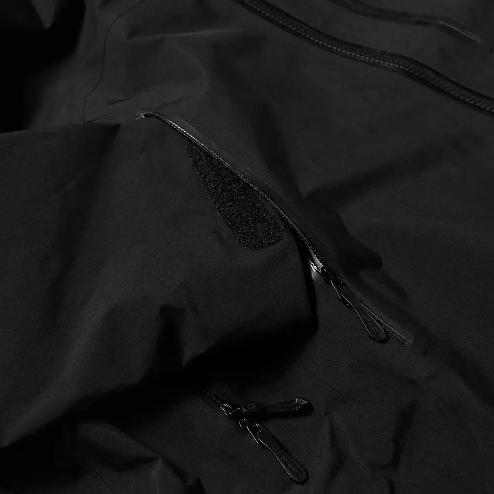 Arc'teryx Beta SV 3L Gore-Tex Jacket Black Detail 3